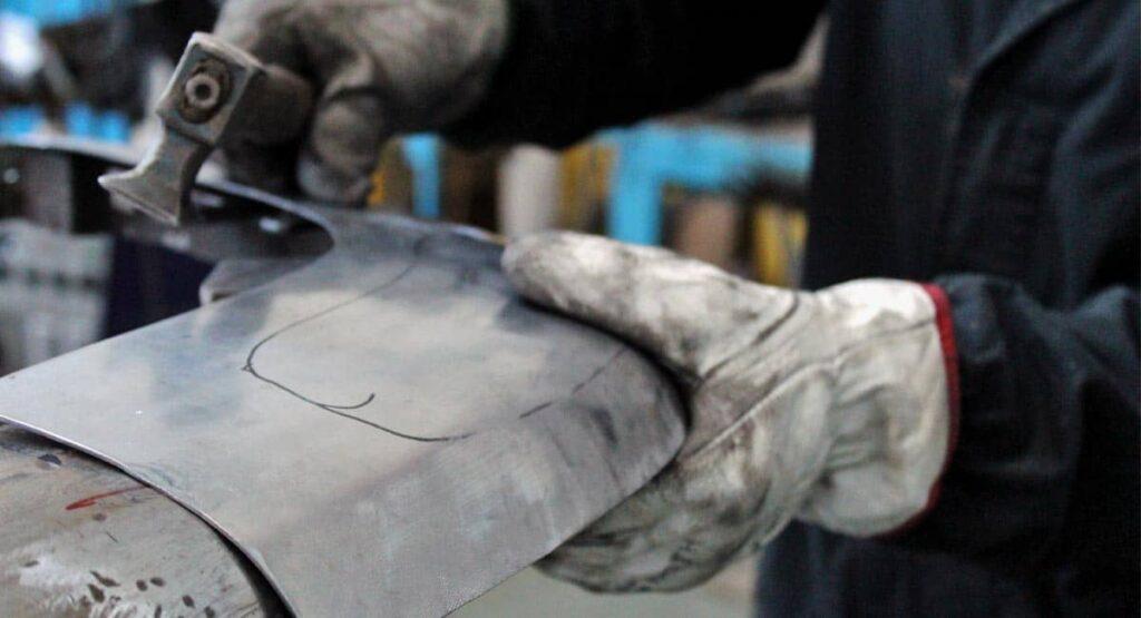 Come nascono i ricambi di paraurti per una Ferrari d'epoca?